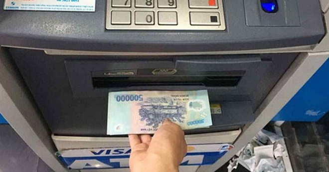 Cách nạp tiền vào thẻ ATM