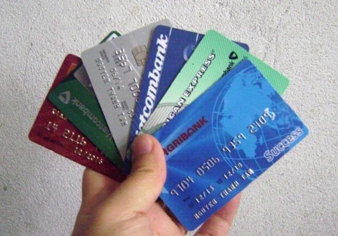Thẻ ATM là một loại thẻ được sản xuất theo tiêu chuẩn ISO 7810